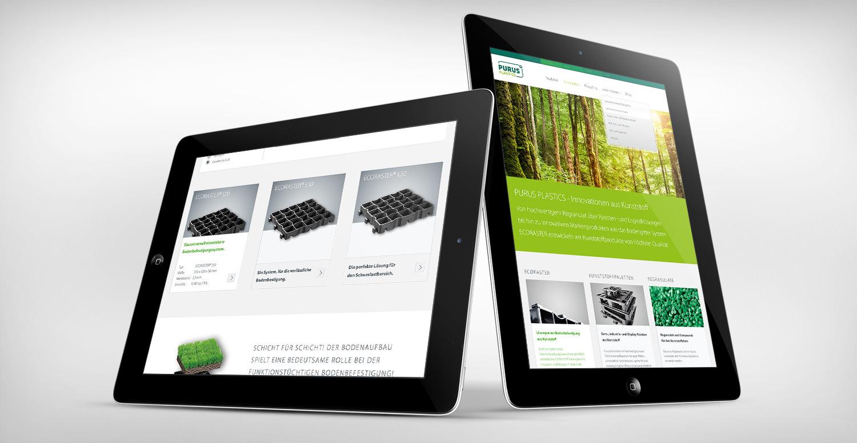 2 gegeneinander aufgestellte IPads mit geöffneten PURUS PLASTICS Webseiten.