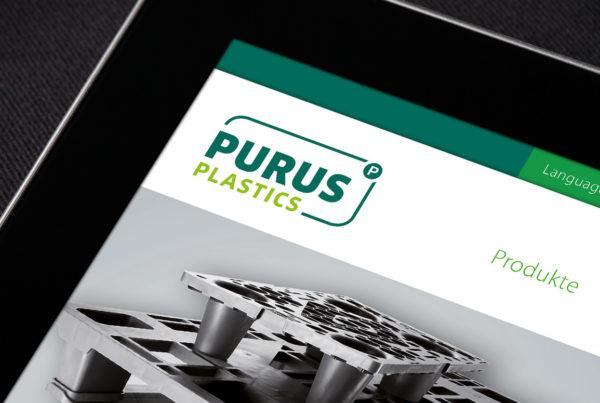 Detailaufnahme eines Ipads mit PURUS PLASTICS Webseite